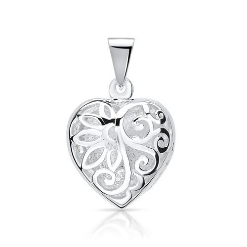 Strieborný medailon - srdce 92de557207d